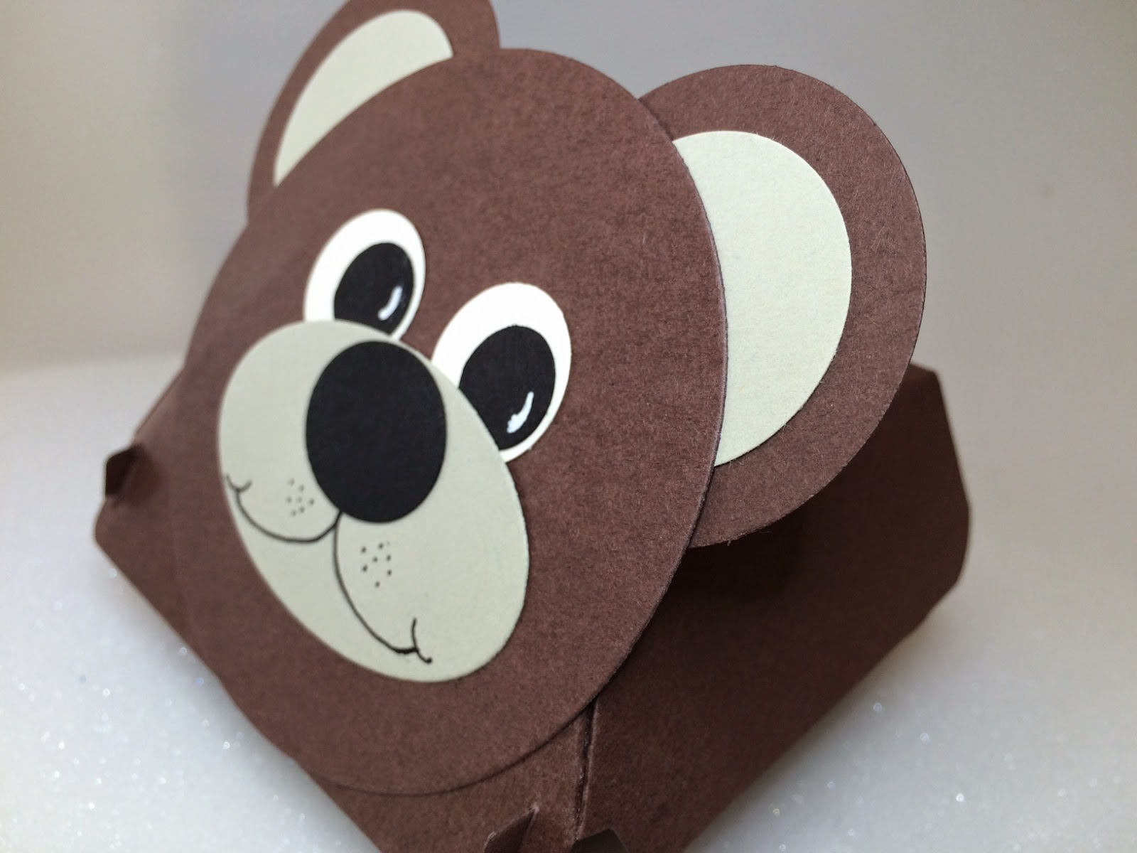 Hamburger box bear