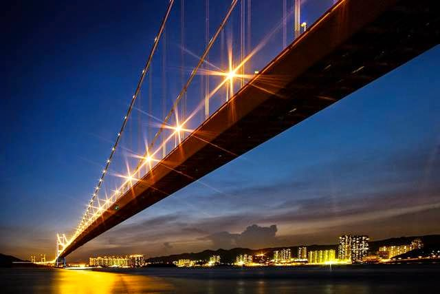 China. Hong Kong. Bridge Tsing Ma Bridge. The main span - 1377 m.