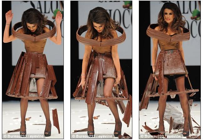 Dress Falls Off Model's dress falls off