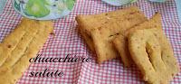 http://cioccolatoamaro-paola.blogspot.it/2015/02/chiacchiere-salate-con-la-birra.html