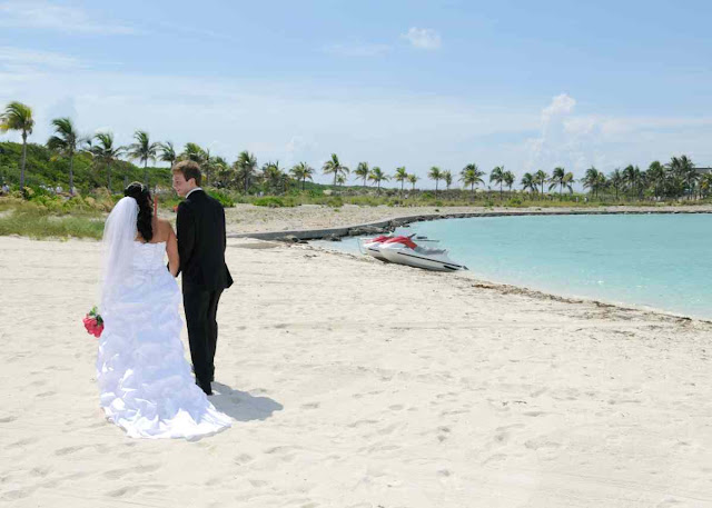Disney Cruise Wedding on Castaway Cay: Brooke + Michael