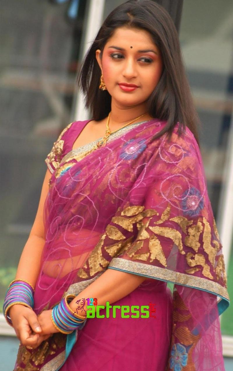 Meera Jasmine Cute Charming Saree Photo Shoot Gallery