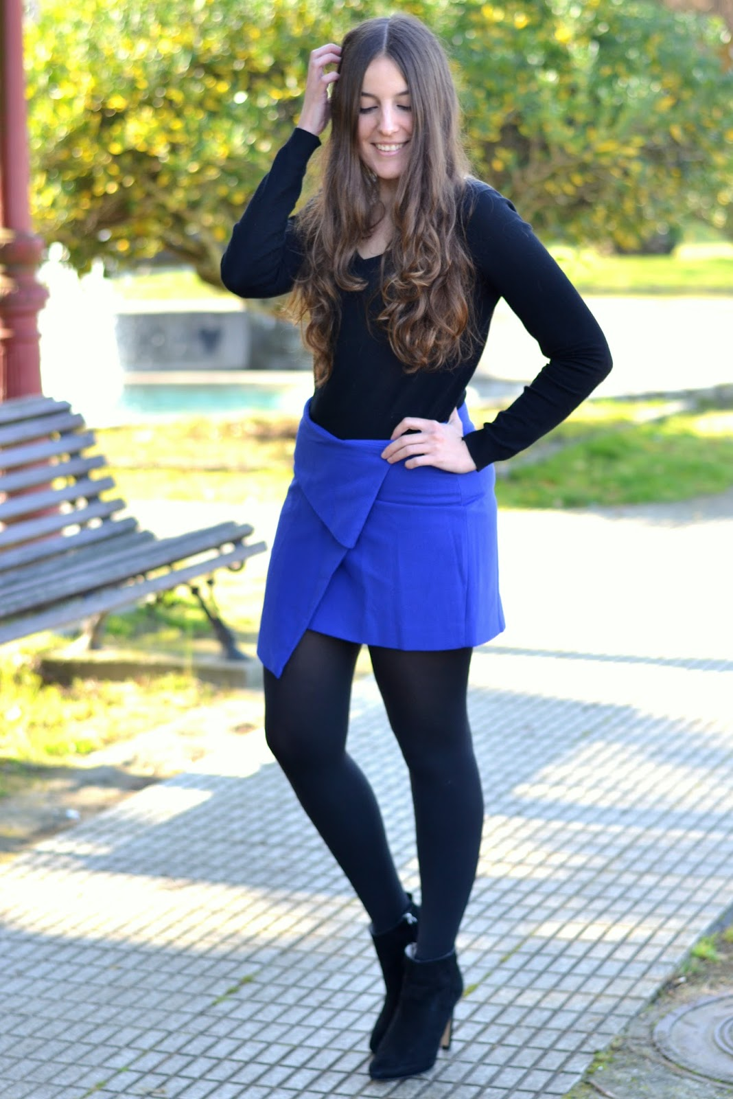 outfits blue klein skirt