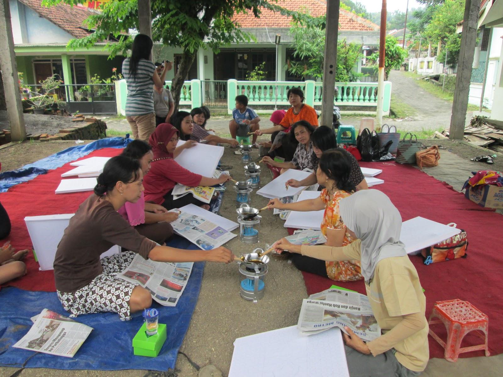 Faq Klaster Umkm Produk Ukm Bumn Batik Parang Kembang Saat Ini Sudah Menjadi Budaya Bagi Masyarakat Di Jawa Tengah Rasa Keingintahuan Tentang Dan Proses Pembatikan Cukup Tinggi