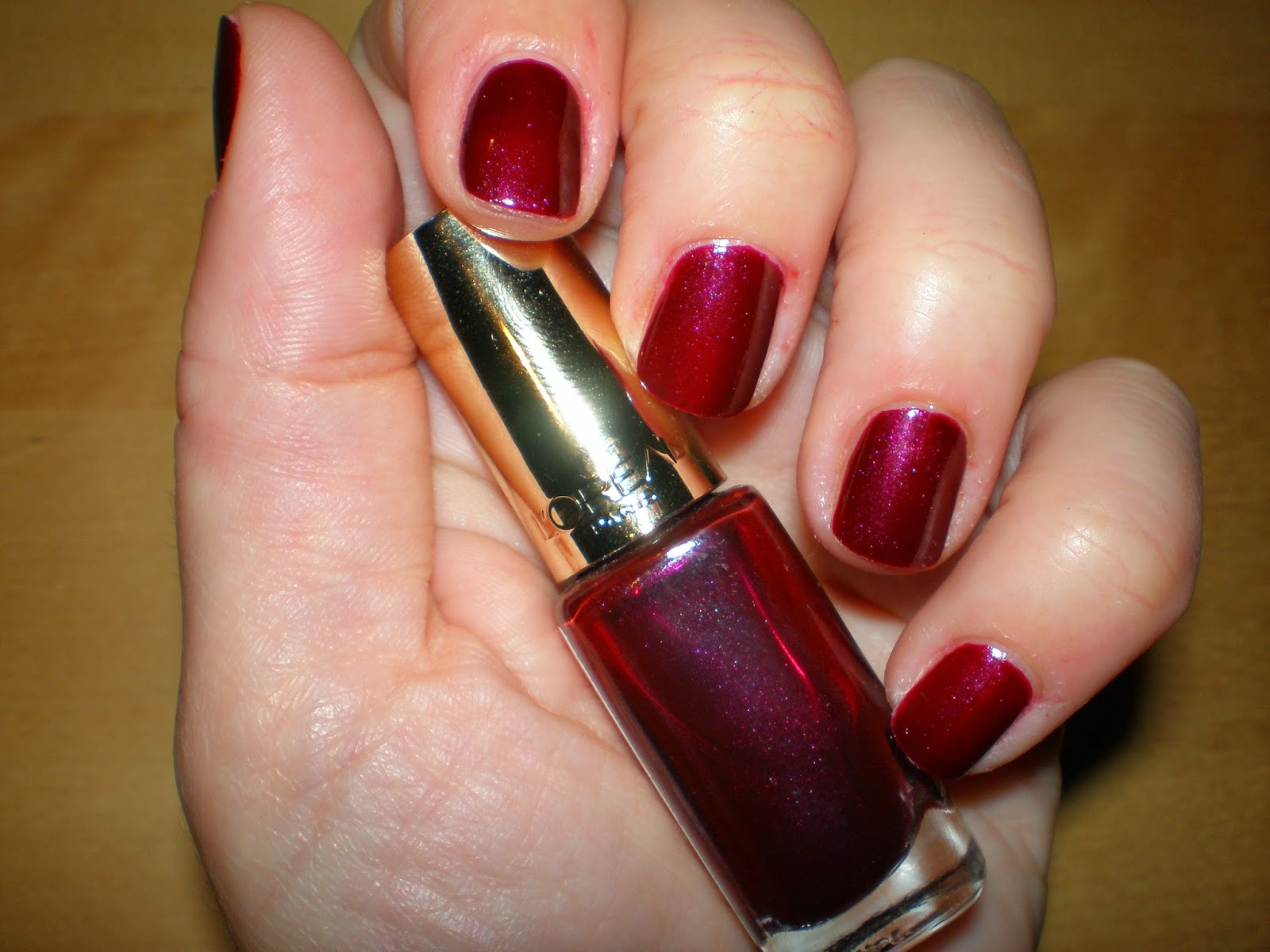 L'oreal color riche in Burgundy Diva #406