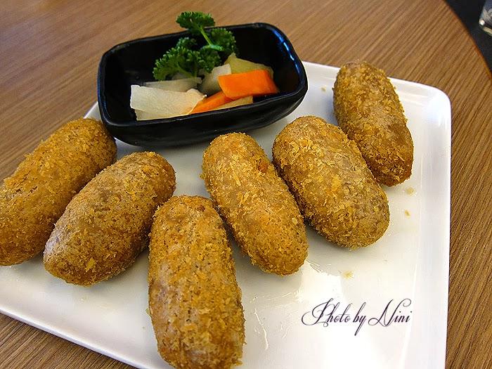 【台北士林區】天母金蓬萊遵古台菜餐廳。想吃到入夢的招牌排骨酥
