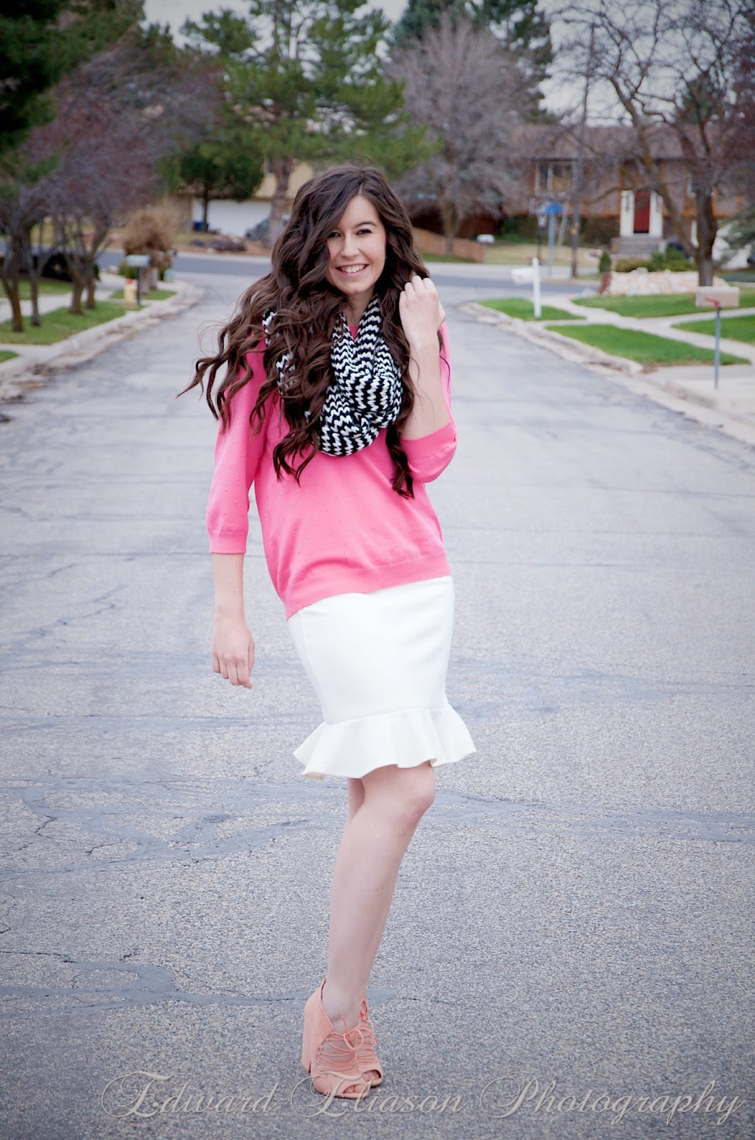 white frill skirt, white flare skirt, chevron scarf, pink textured sweater, cottonwood heights, pink sweater, pink and white outfit, cute, long curly hair, bellami hair extensions, bellami hair,