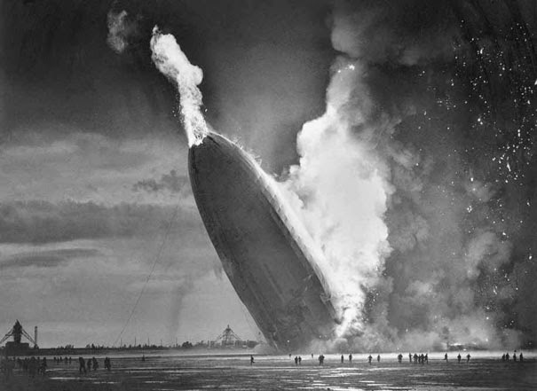 40 Must-See Photos Of The Past - Hindenburg Disaster, May 6, 1937