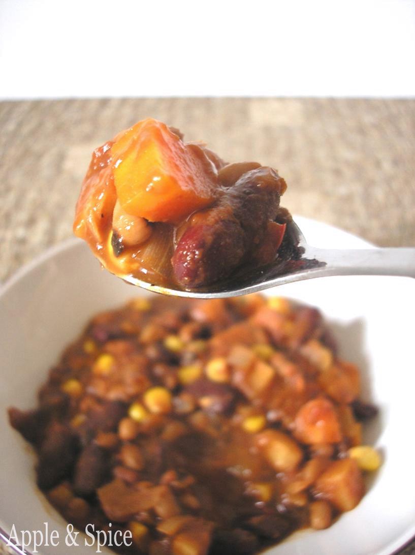 Apple & Spice: Smokey Bean Chili