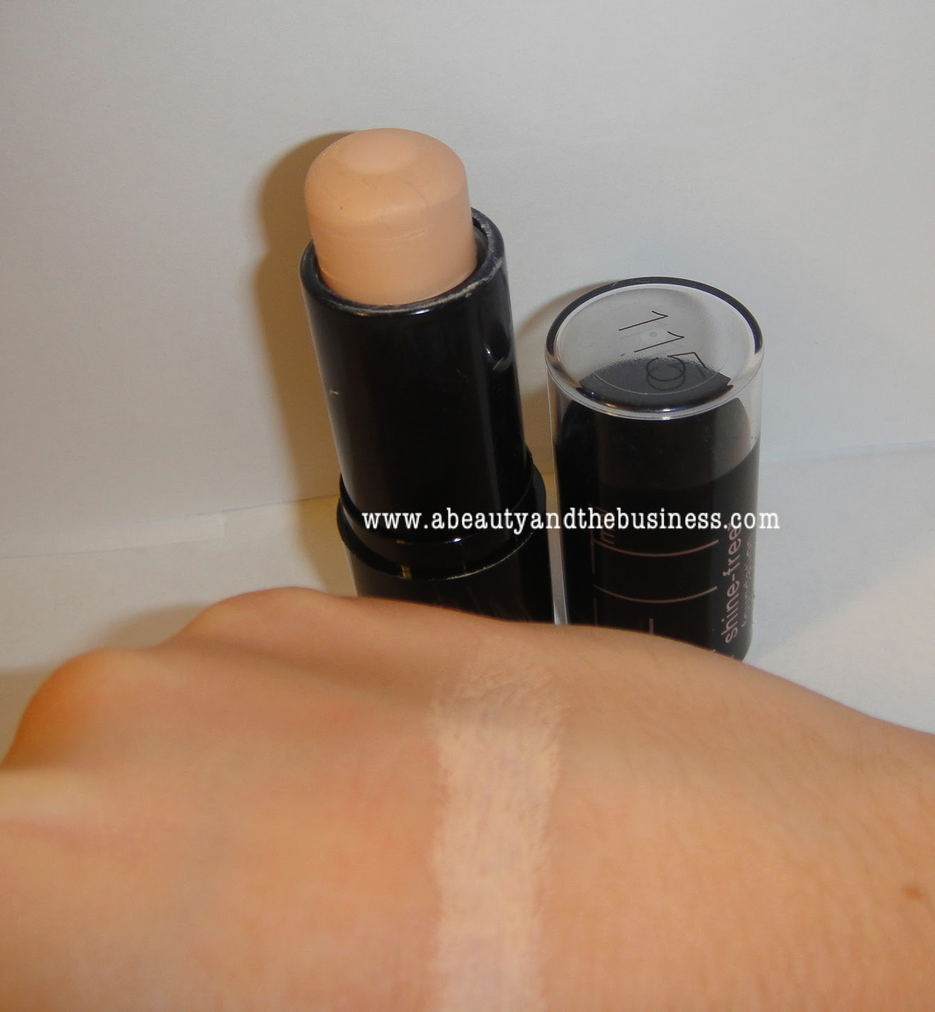summer foundation, oily skin foundation, matte foundation, foundation stick, maybelline, maybelline foundation, maybelline fit me, maybelline fit me foundation stick in 115,