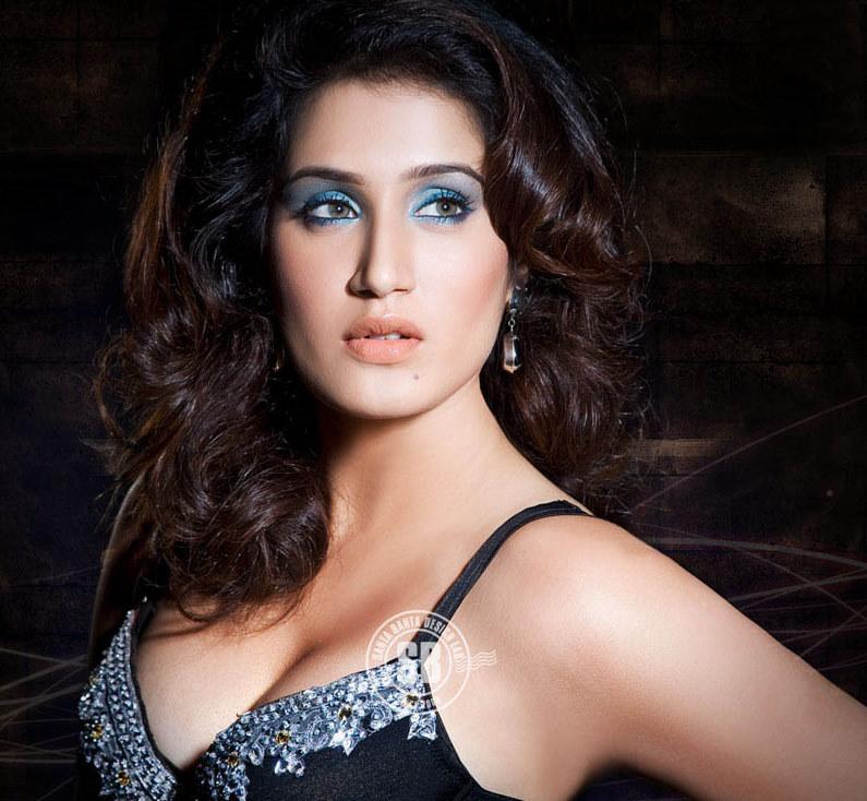 Sagarika Ghatge Hot