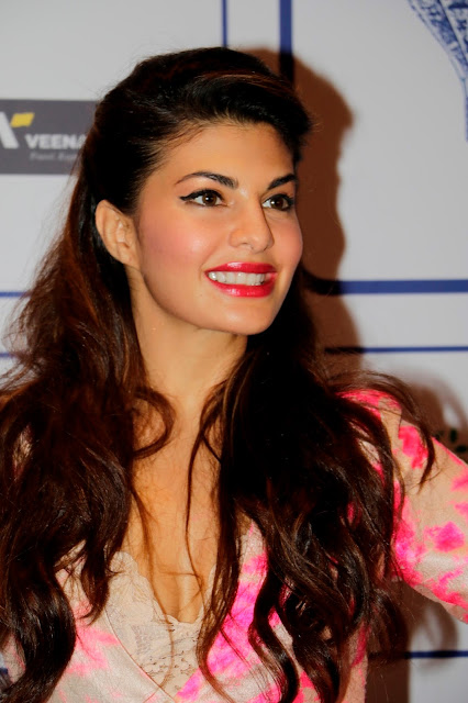Jacqueline Fernandez Looks Super Sexy At Lonely Planet India Awards 2015 At J W Marriott in Mumbai