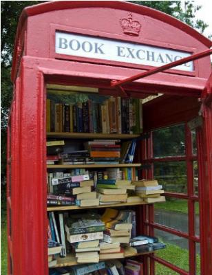 Cabina telefonica mini biblioteca