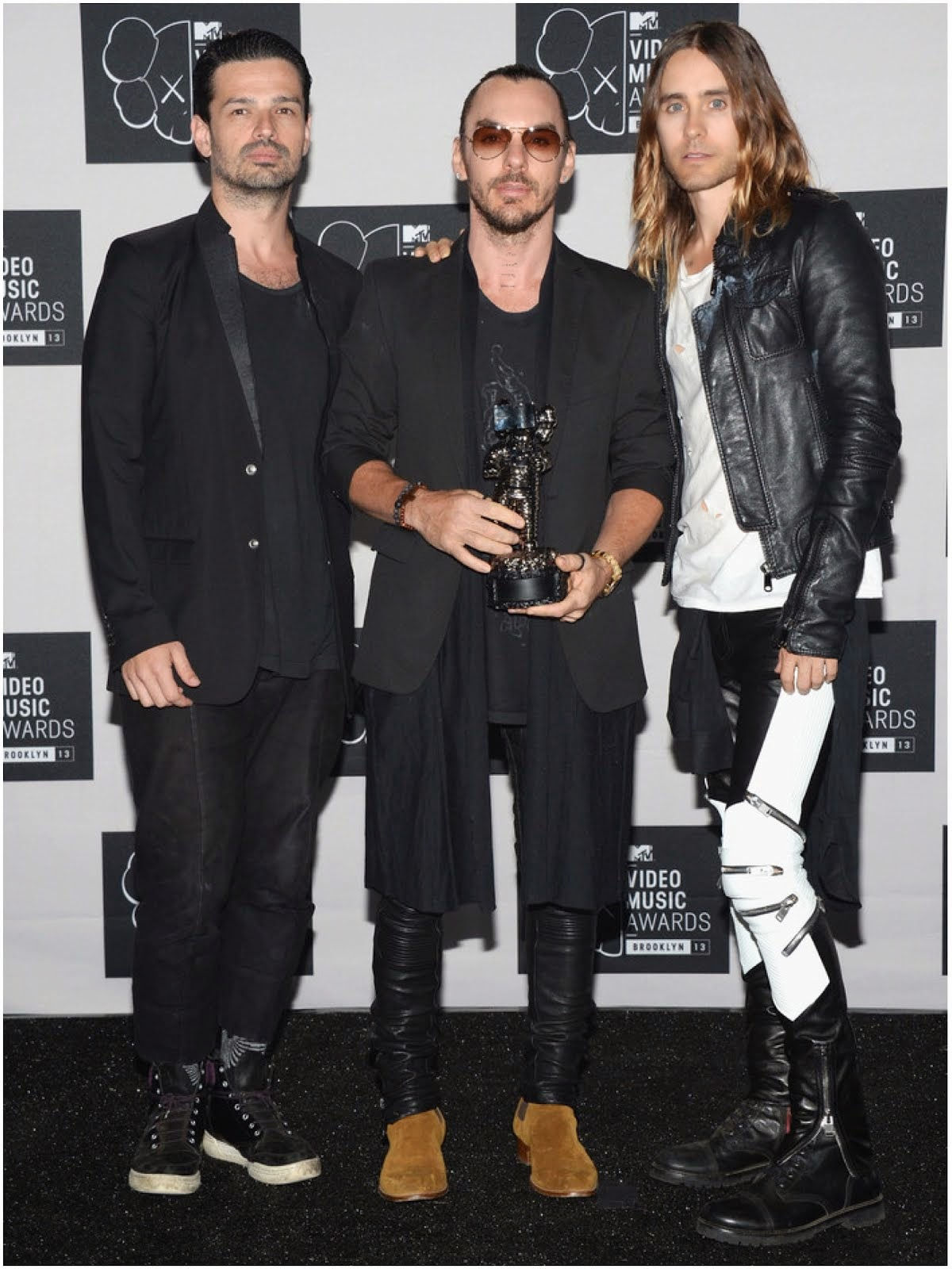 00O00 Menswear Blog: Jared Leto's Saint Laurent ribbed zipped biker trousers - 2013 MTV Video Music Awards