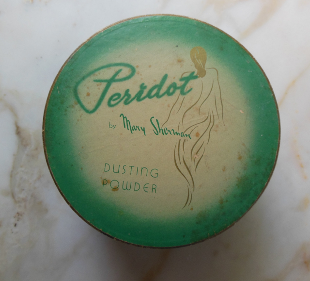 Vintage Dusting Powder #vintage #cosmetics #beauty