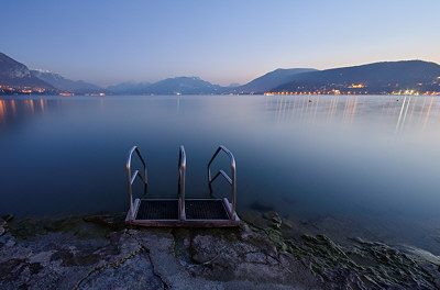 Lake Annecy, dusk time on Albigny beach