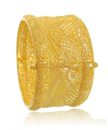Traditional Trendy Gold Chur Design