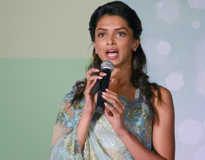 Deepika Padukone Wierd Snaps Captured on camera she looks hot and sexy