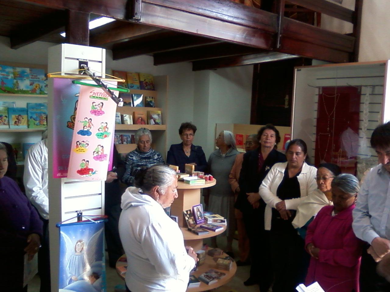 Almacen Liturgico San Luis Paulinas Ecuador