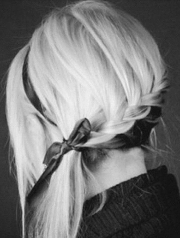 Фото на аву для блондинки с короткими волосами