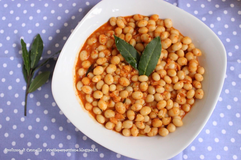 zuppa di fagioli bianchi e polvere di peperone crusco - il fagiolo poverello di rotonda d.o.p.