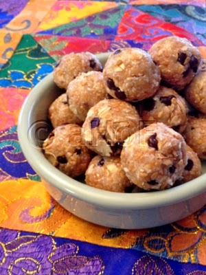 RAW Oatmeal Chocolate Chip Cookies