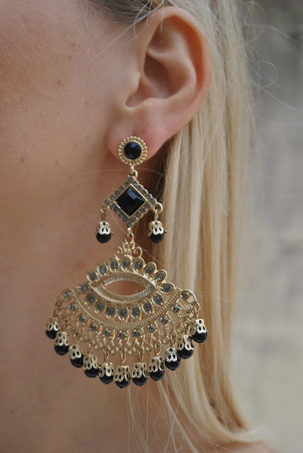 orecchini modello chandelier oro e nero majique london mariafelicia magno fashion blogger color block by felym fashion blog italiani orecchini majique majique london earrings orecchini neri e oro orecchini majique london majique london black  and gold earrings orecchini chandelier fashion blogger italiane fashion blogger bionde ragazze bionde blonde hair blonde girls blondie abito elisabetta franchi outfit ottobre 2015 elegant outfit fashion bloggers italy blonde girls