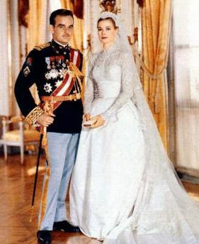 7 Most Iconic Wedding Gowns in The World: Grace Kelly Wedding Gown