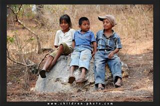 صور اطفال فقراء Photo%2Bpoor-children%2B%25287%2529