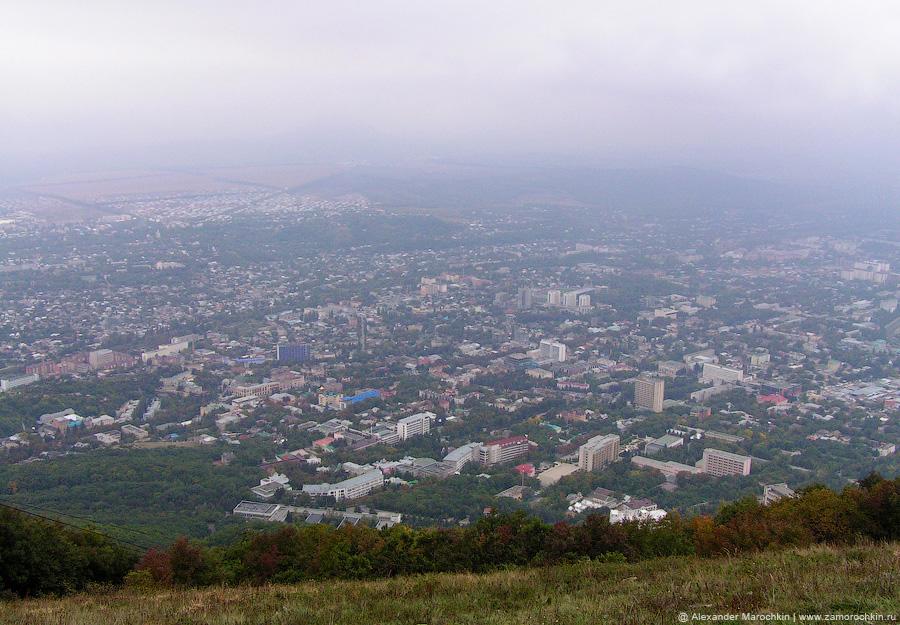 Вид на Пятигорск с вершины горы Машук