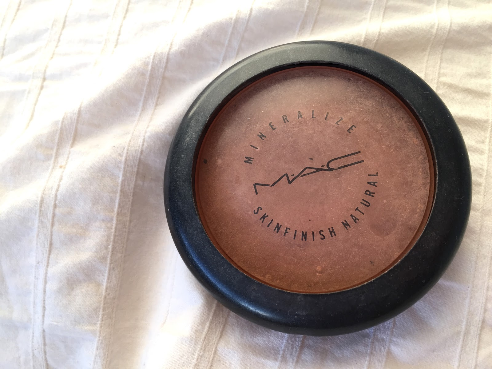 MAC, MAC powder, MAC bronzer, mineralize skinfinish,mac bronzer review