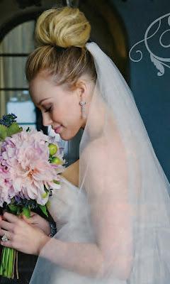 Hilary-glamorous-wedding-hair