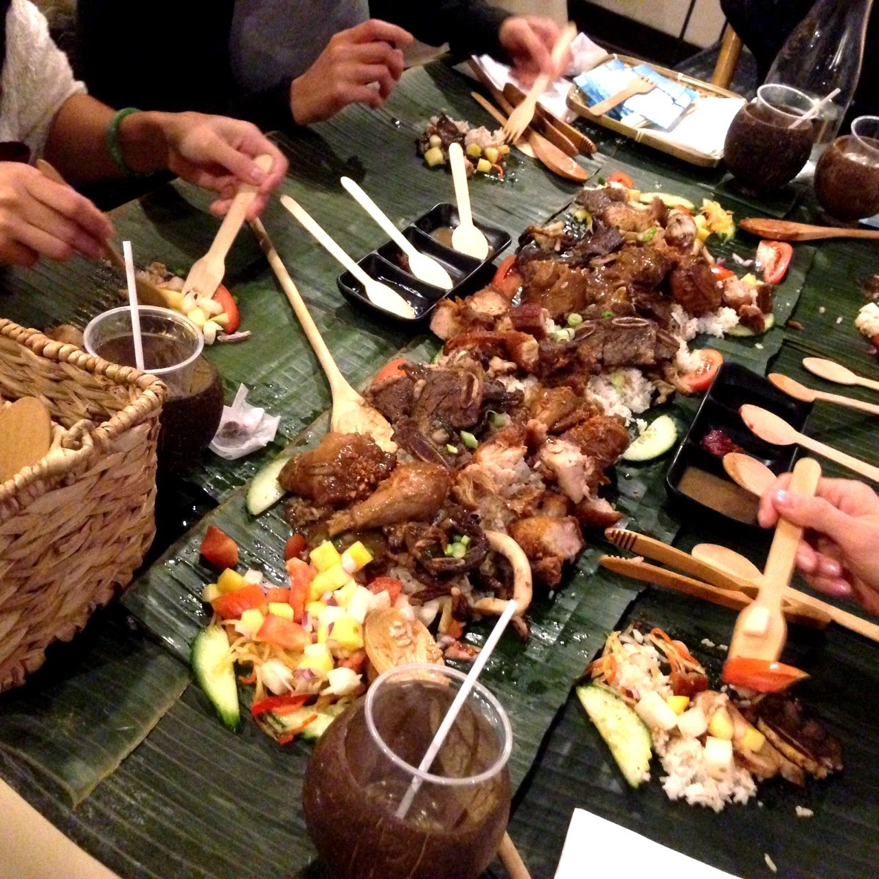 Filipino table setting - Feasting At Casa Manila Restaurant Last Week Which Inspired This Fun Way To Eat Tonight With My Family