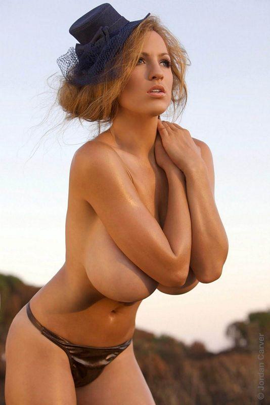 фото моделей с огромной грудью