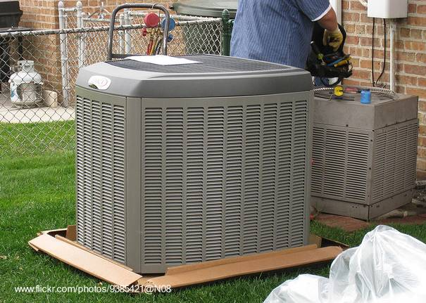 Arquitectura de casas aparatos de aire acondiconado for Aire acondicionado aparato exterior