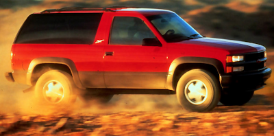 2000 Chevrolet Tahoe Sport red