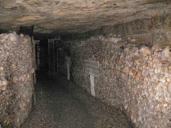 kuburan terbesar di dunia - paris | liataja.com