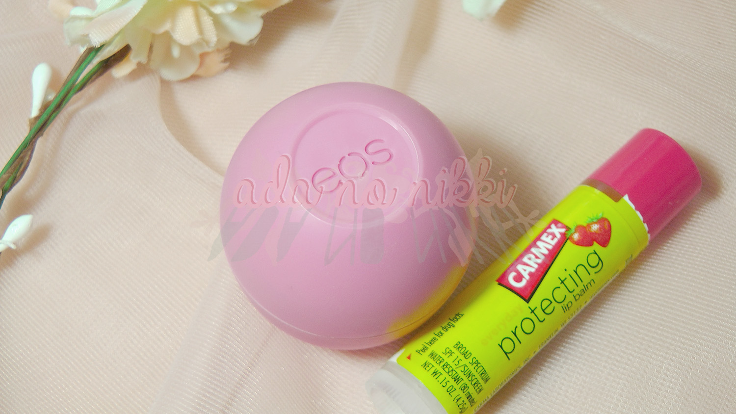 Carmex Protecting Lip Balm EOS in Strawberry Sorbet