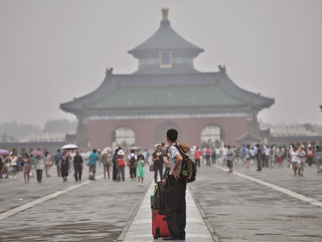 Beijing's impenetrable smog (Credit: © Xinhua / Alamy) Click to enlarge.
