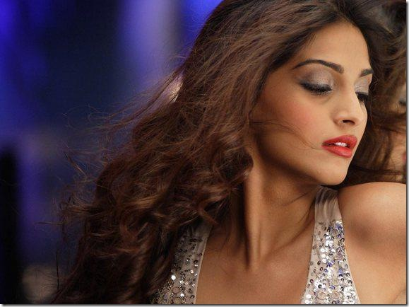 Sonam Kapoor Players Glamour Wallpaper