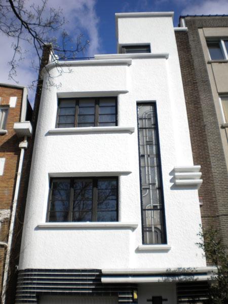 Les 1000 maisons de louis tenaerts inter environnement for Maison avec bow window