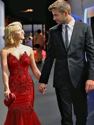 Gerard Pique With GirlfriendGerard Pique Girlfriend