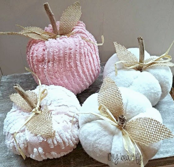 Make a patch of Shabby Pumpkins from old quilts and bedspreads! www.diybeautify.com