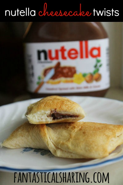 Nutella Cheesecake Twists | Cream cheese and #Nutella in a crescent drizzled with chocolate | www.fantasticalsharing.com
