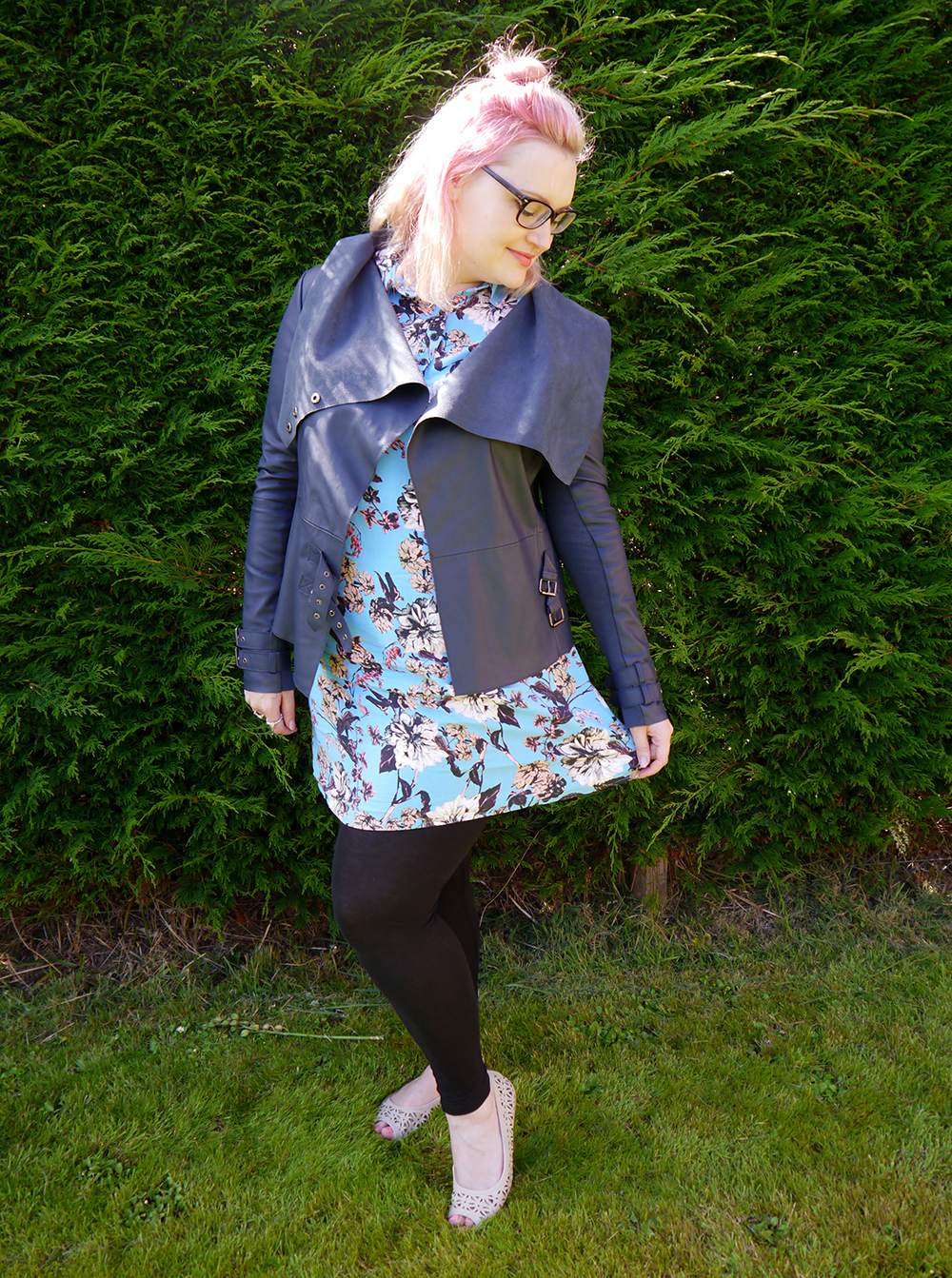 Scot Street Style, biker jacket, Scottish Blogger, pink hair, how to, glasses, Dundee, Arbroath
