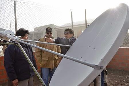 Televisión satelital en Bolivia