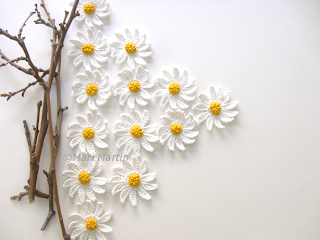 Daisy Flowers Crochet Applique