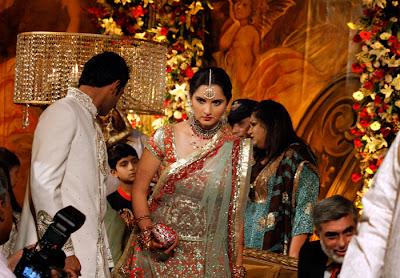 Sania Mirza Hot in Saree Wedding Reception Stills
