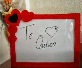 http://portaldemanualidades.blogspot.com.es/2013/10/marco-para-mensajes-de-amor-hecho-con.html