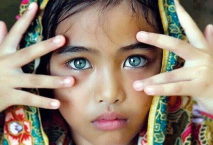 شاهد صورة صاحبة أجمل عيون في العالم....حقا رائعة الجمال  - عيون بنت هندية جميلة جدا - beautiful indian girl eyes
